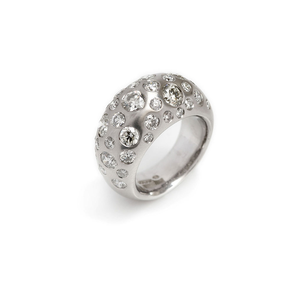 18ct White Gold Diamond Bomb Ring
