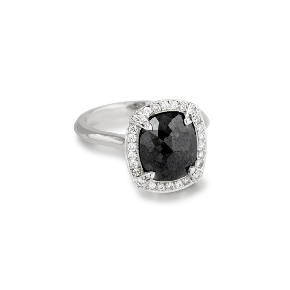 18ct White Gold Black and White Diamond Ring